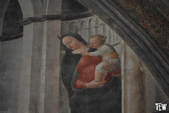 La Madonna con le corna. Blasfemia, esoterismo o vandalismo?